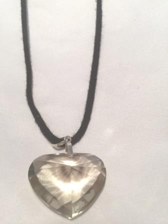 Clear_Quartz_crystal_heart
